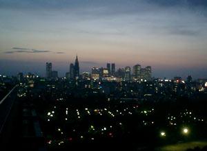 ゴハン会会場の赤坂から新宿を見る