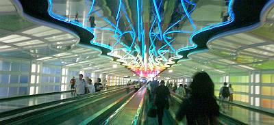 シカゴ空港内。長いコンコースでも楽しくなっちゃうデザインが嬉しい。