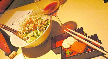 ボトル無料券があったから赤ワイン頼んだけど、やっぱ日本酒がよかったな。