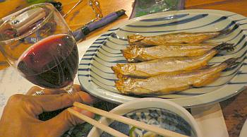 シシャモのはずだけど、こんなに大きいのは初めて。普通の焼き魚か?と思ってしまった(笑)