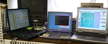 左が画面ジャックされたThinkPad