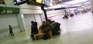 夜中1時40分の小田原駅。