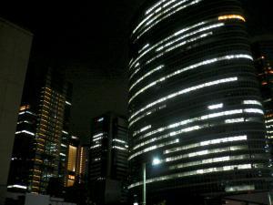 品川の駅ビル付近