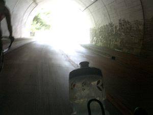 宮ケ瀬のトンネル。大声で反響を楽しむ(w