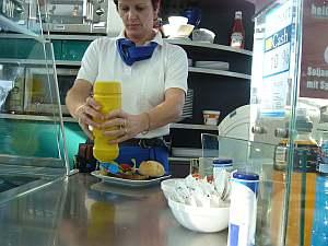 やっぱ本場でソーセージ料理食べないと。