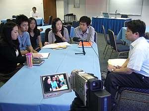 学生を集めてインタビュー形式のまき。