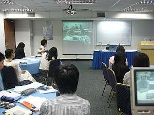 セッション中は日本とTV会議となるが、日本側は4〜6人とチトさびしい。