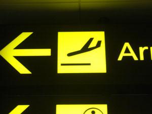 胴体着陸するんかい?空港内で1つだけ発見。