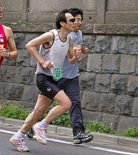 スポーツクラブの友人に貰ったワタシの走る姿。あとちょっとで、抜き去った大江戸飛脚会の顔が見えたのに(笑)