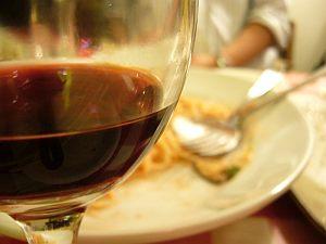 ちょいマズ赤ワインと嫌いな明太子パスタ。