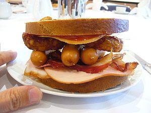 毎朝こんなの食べてます。