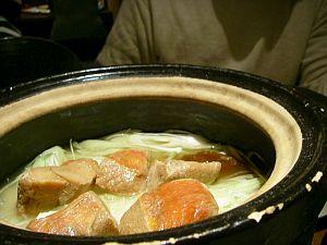 目の前で40分かけて炊き上げる鮭ご飯。