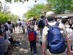 高尾山は渋滞しまくり。