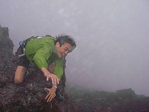 無酸素単独登頂成功。12.18pm。