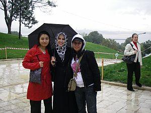 雨のマヤモスクにて