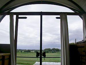 部屋から外を見渡すと、牧場ビューが広がる。