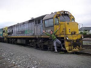 電車のエンジンはキレイじゃない。