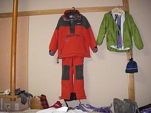 ワタシは900円のユニクロジャケットとジーンズで滑ります。