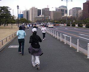 往復の道でも、それっぽい人多数。