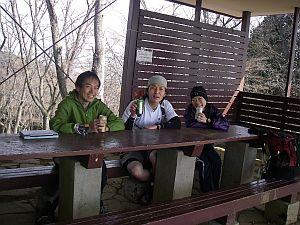富士山を見ながら休憩すると、大会受付みたいになる(笑)