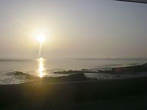 帰途、多くの夕日マニアが風景を撮っていた。