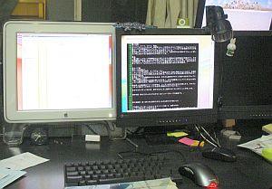 久しぶりにMacで2画面。ソフトはウィンドウズだけど(w
