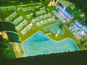 たまにゃホテルのプールもいいなぁ。