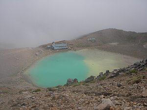 五の池は今年も不思議な色!
