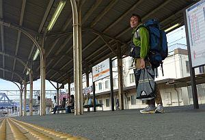 豊橋駅にて待ちぼうけ。