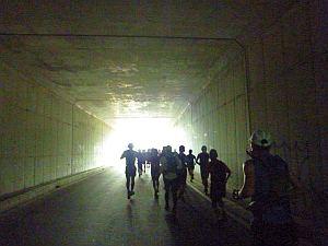 トンネルあたりまではフツーに走れた。