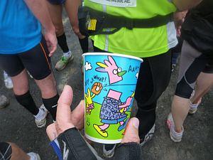 仲間に頂いた飲み物のカップがカワイイ。