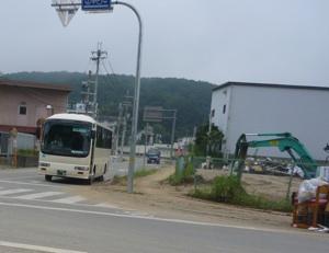 あのバスが電車の代わりです。