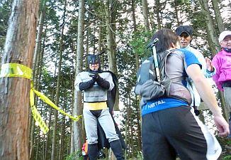バットマンみたいな人が応援してた。