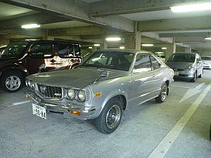 73年型サバンナが駐車場に。ホイールまでオリジナルでびっくりー。