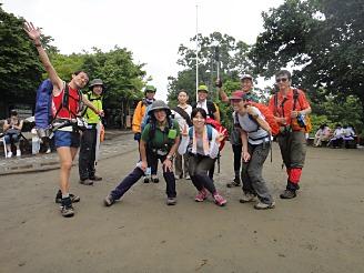 まずは高尾山に登頂成功。