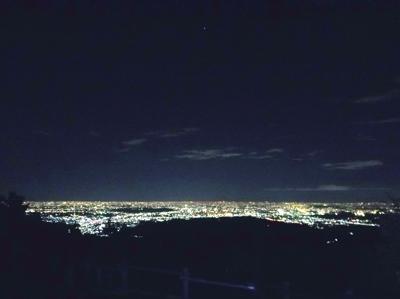 日の出山だけど、夜景も綺麗。