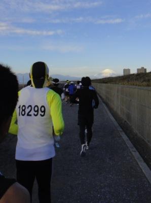 富士山を目標に走る。