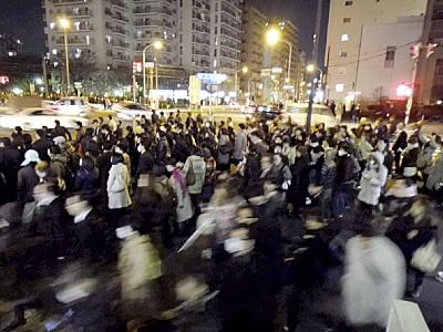 家の前の道が東京マラソン並に(>_<)