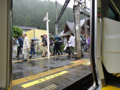 乗客の半分近くが学生だった。