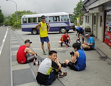 柳沢峠には、錚々たる顔ぶれが。