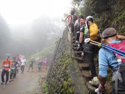 恒例の入山峠渋滞。