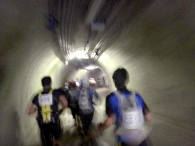 レース中のトンネルは初めて