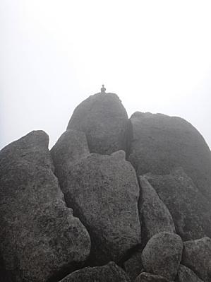 オベリスク登頂成功の若人