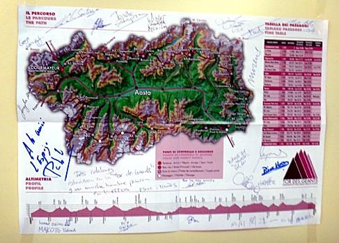 ケーキ屋さんの地図にサインを入れてプレッツェルげっとー