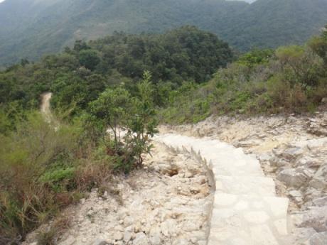 石の階段も多かった。