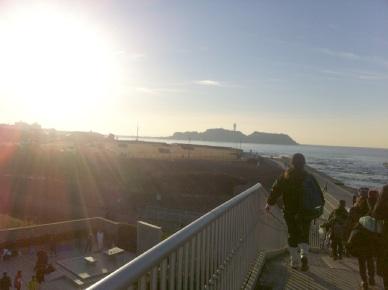 年に一度の朝の江ノ島。