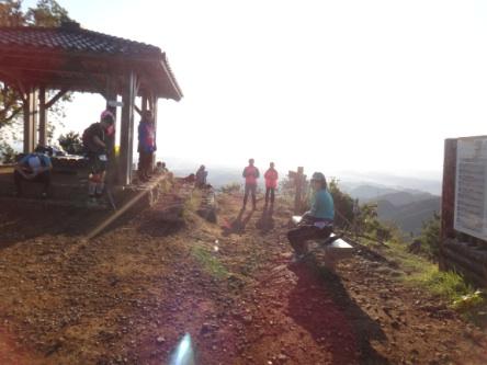 日の出山を、日の出後に通るのは初めて