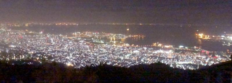 神戸の夜景見放題!しかし昨年香港の夜景を見たから、それほど感動せず(T_T)