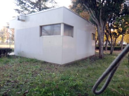 海外みたいな作りのトイレ。ここもガラガラ(≧ω≦)b