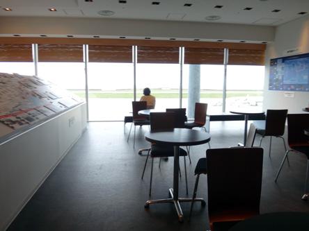 神戸空港のフリースペースがラウンジより快適(笑)